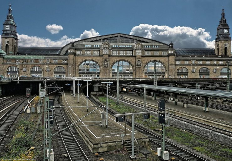hamburg___central_station_by_pingallery-d3dkcog